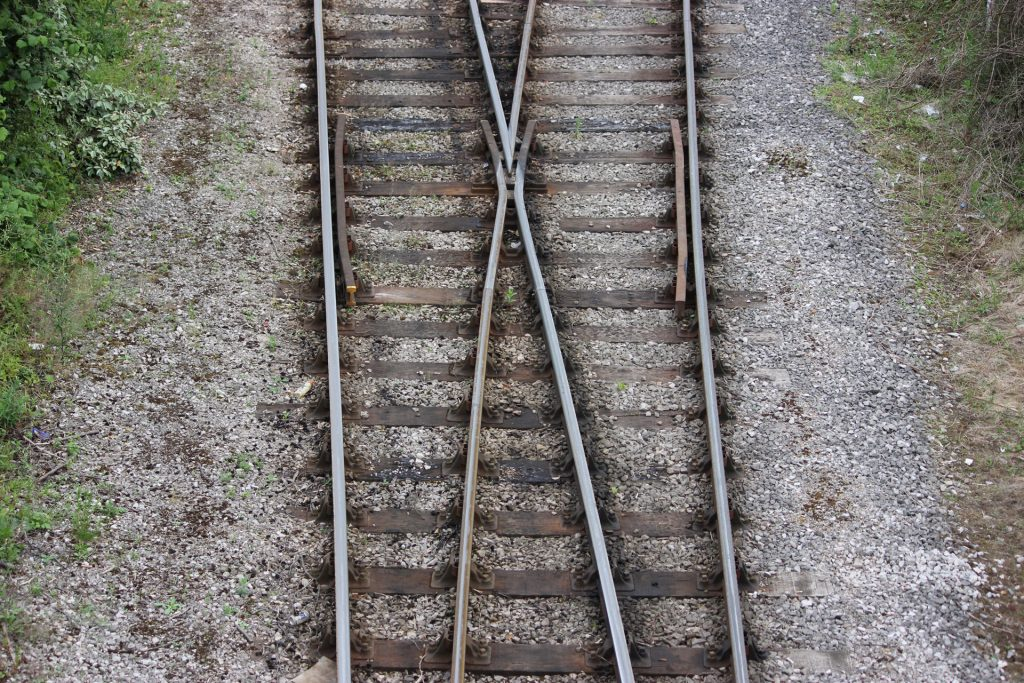 train-tracks-junction