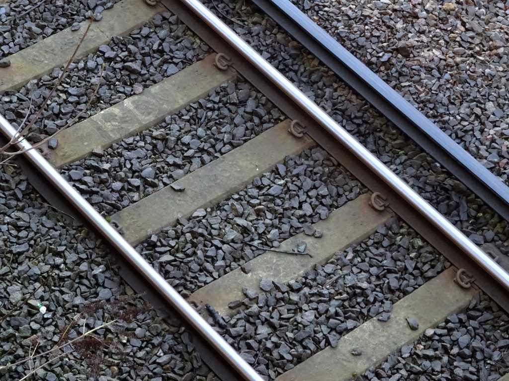 railway-train-tracks